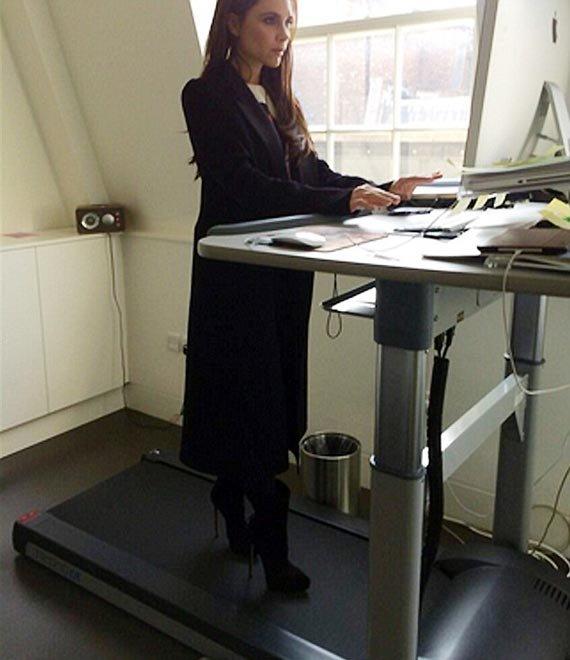 Victoria Beckham cvičí a pracuje Foto: Instagram.com