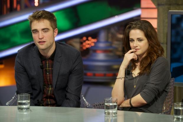 Natáčeli upíří ságu a pak spolu chodili. Teď však Robert Pattinson a Kirsten Stewart pár už nejsou. Robert chodí s vnučkou Elvise Presleyho a Kirsten pláče Foto: isifa.com