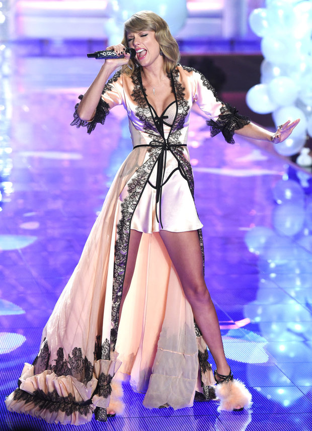 Victoria's Secret Fashion Show 2014 - Obrázek 24 Foto: