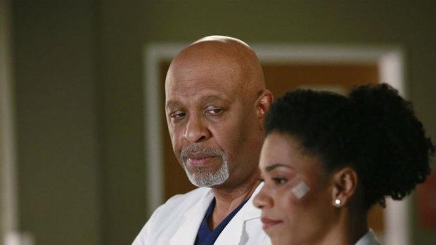 Chirurgové - Maggie po nehodě Foto: